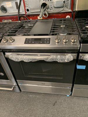 GE NEW SCRATCH AND DENT STAINLESS STEEL SLIDE IN FRONT GAS STOVE for Sale in Randallstown, MD