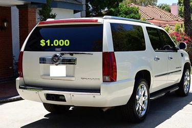 💚💲1OOO I'm selling URGENT!SuperSuv 2OO8 Cadillac Escalade🍁Runs and drives great. for Sale in FL,  US