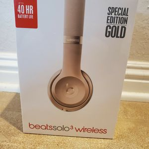 Beats Solo 3 Wireless Headphones Gold for Sale in San Diego, CA