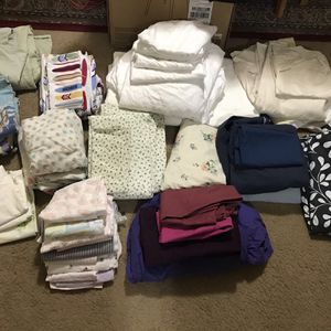 Available 50 Pc Of Bed Sheets All Sizes /pillows Cases Pick Up In Gaithersburg Md20877 for Sale in Gaithersburg, MD