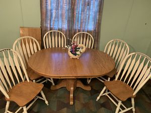 Dining table and 6 chairs, solid oak pedestal style, Excellent condition!! for Sale in Lee's Summit, MO