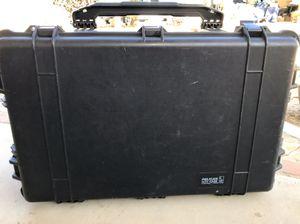 Pelican Case 1650 w/foam &wheels Great condition $80 Lake LA No lower offers plz for Sale in Lake Los Angeles, CA