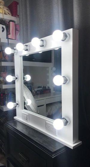Vanity MIrror for Sale in Vernon, CA