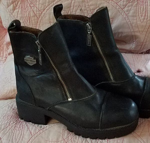 REDUCED. ONLY $50 !! Black Leather, HARLEY BOOTS, Womens SZ 8/med