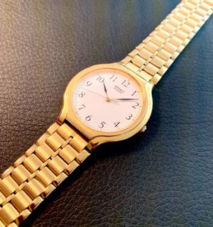 Excellent Mens Thin Dress SEIKO V701-6K78 - RUNNING GREAT for Sale in Lynnfield, MA