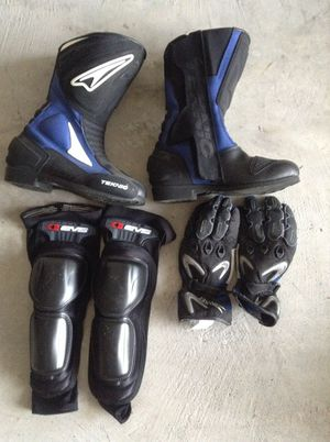 Girl protective gear combo - bike riding motorcycle for Sale in Houston, TX