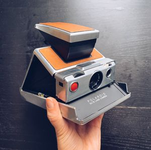 Polaroid Originals SX-70 Instant Film Camera (Silver and Brown) for Sale in Miami Beach, FL