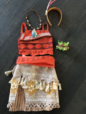 Disney Store Moana costume with accessories for Sale in Plain City, OH