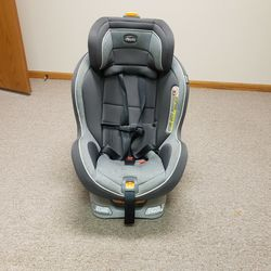 Chicco Next fit Carseat for Sale in Bloomington,  IL