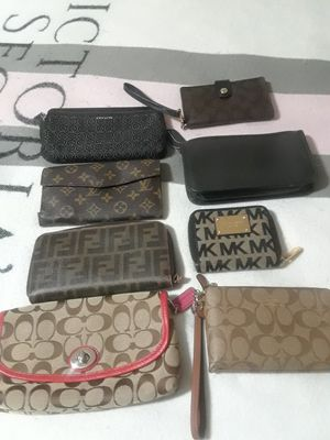 WOW WRISTLET MAKE UP BAG AND WALLET for Sale in Chicago, IL