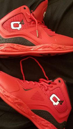 Q'4 Sport basketball Shoes size 11 Seminuevo for Sale in Long Beach,  CA