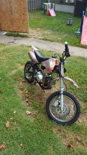 125cc dirt bike/pit bike for Sale in Saint Ann, MO