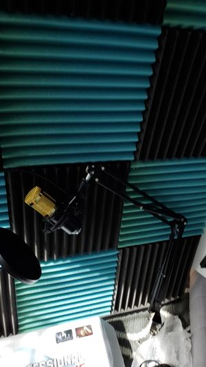 Microphone new with acoustic panels for Sale in Germantown, MD