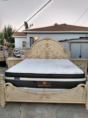 King bedroom set for Sale in Moreno Valley, CA