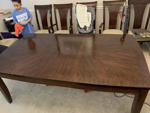 Dining room table and 6 chairs for Sale in Franconia, VA