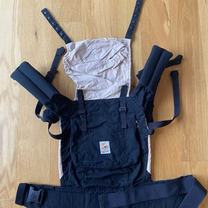 Ergobaby Carrier for Sale in New Albany, OH