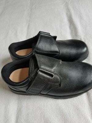 Leather orthofeet orthopedic shoes sz 10 extra wide. for Sale in Bellaire, MI