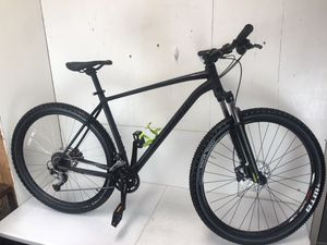 "Specialized Rockhopper Comp 29er 20"" mountain bike - 2018 model for Sale in La Mesa, CA"