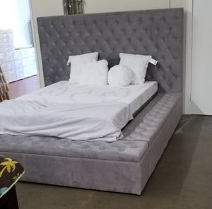 QUEEN BED FRAME ONLY for Sale in Huntington Park, CA