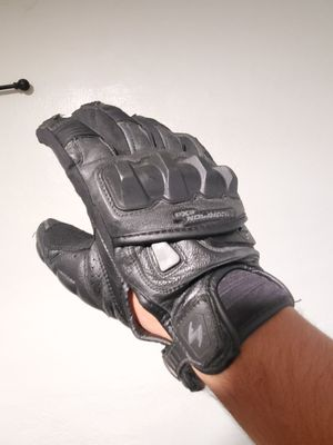 Scorpion Exo MkII motorcycle glove (Medium; right glove) for Sale in Altadena, CA