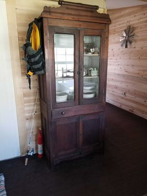 Hutch, Table and 6 chairs for Sale in Murray, KY