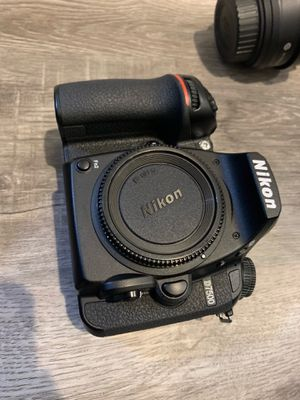 Nikon D7500 Body and multiple lenses low shutter count for Sale in Corona, CA