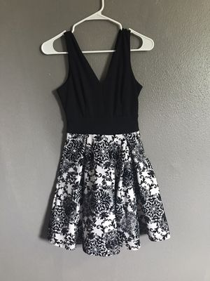Black and white dress for Sale in OLD RVR-WNFRE, TX