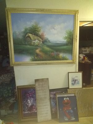 8 pictures for $20 for Sale in Hesperia, CA