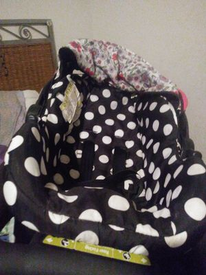Safety first car seat and rear facing for Sale in Wichita, KS