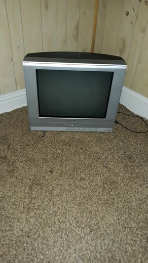 """Toshiba 32"""" (?) TV with built in DVD plyr for Sale in Elmira, NY"""