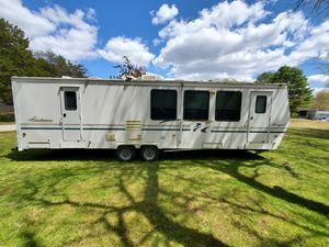 1999 Coachmen Royal 361 FLS 35ft Travel Trailer Camper for Sale in Freetown, MA