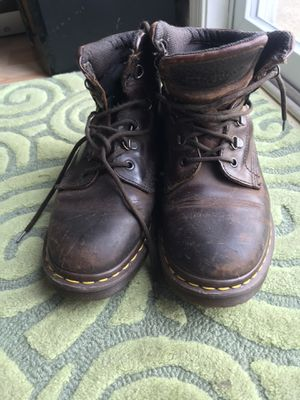 Doc Martin boots 7 women's for Sale in Rehoboth Beach, DE