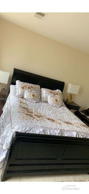Queen bed for Sale in Falls Church, VA