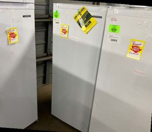 Thompson upright freezers TFRF690 OY for Sale in Anaheim, CA