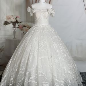 Ivory Off The Shoulder Princess Ballgown Wedding Dress/ Quinceanera&Sweet 16 Dress for Sale in Fort Lauderdale, FL