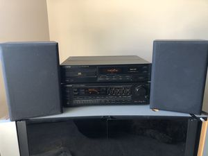 Pioneer stereo receiver and DVD player for Sale in Columbus, NJ