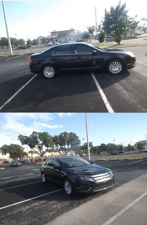 2010 Ford Fusion Hybrid. Save gas! Navigation , sun roof, leather for Sale in Hollywood, FL