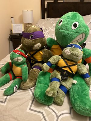 Vintage tmnt collectible lot of action figures plush for Sale in Miami, FL