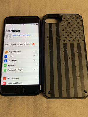 iPhone 7 T-Mobile, metro pcs , simple mobile like new condition everything works perfectly for Sale in Lauderhill, FL