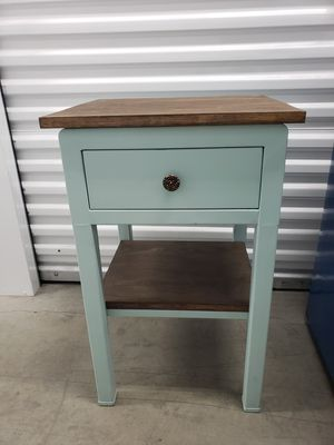 End table for Sale in Gresham, OR