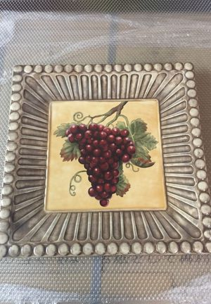 Grape serving dish and black serving tray for Sale in Lodi, CA