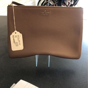 Kate Spade Large Zip Pouch for Sale in Las Vegas, NV