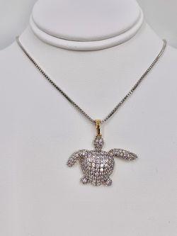 Tortuga y cadena oro laminado italiano garantizado/Turtle and chain plated in Italian gold guarantee for Sale in Sylmar,  CA