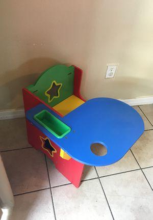 Children's desk for Sale in Saint Petersburg, FL