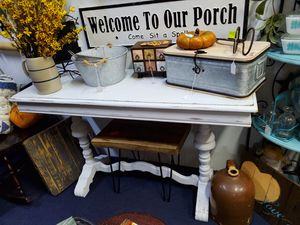 white distressed sofa/entry table for Sale in Crosby, TX