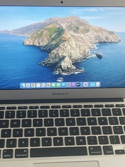 """Apple Macbook Air 11"""" (2015) 1.6GHz Dual-Core i5 8GB RAM 128GB SSD Backlit! w/New Power Adapter for Sale in Tampa,  FL"""