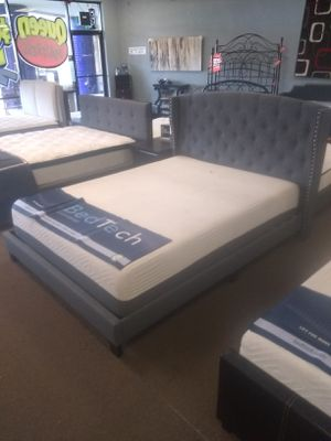 """Queen size platform bed frame with 12"""" Pure Gel Memory Foam Mattress included for Sale in Glendale, AZ"""