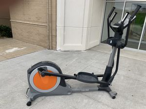 NordicTrack E5vi Elliptical - Gently Used, GOOD CONDITION for Sale in Pepper Pike, OH