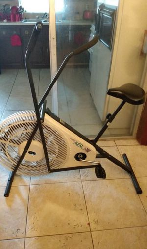 Weslo aero 700 exercise bike for Sale in Miami Gardens, FL