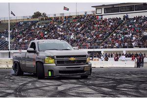 2012 chevy Silverado single cab sport truck for Sale in Moreno Valley, CA